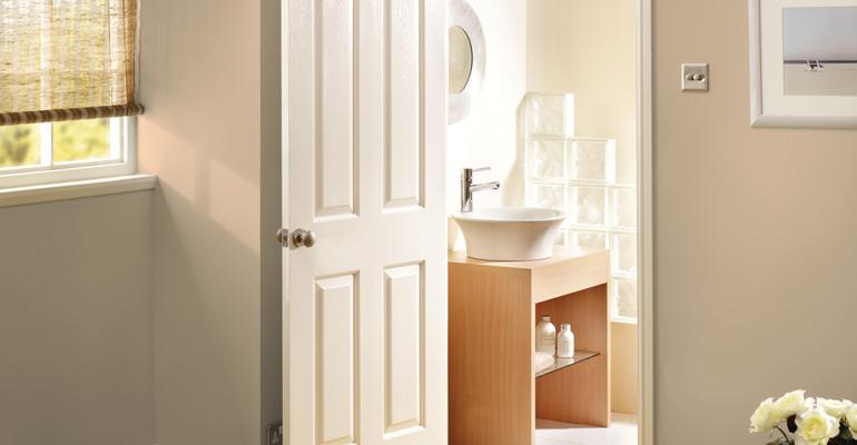 White moulded  Lifestyle Photo